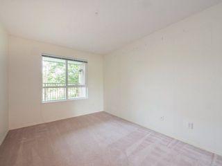 "Photo 13: 220 13880 70 Avenue in Surrey: East Newton Condo for sale in ""Chelsea Gardens"" : MLS®# R2288215"