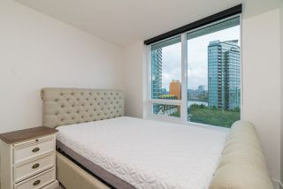 "Photo 12: 857 38 SMITHE Street in Vancouver: Downtown VW Condo for sale in ""One Pacific"" (Vancouver West)  : MLS®# R2307902"