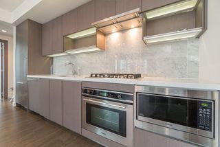 "Photo 10: 857 38 SMITHE Street in Vancouver: Downtown VW Condo for sale in ""One Pacific"" (Vancouver West)  : MLS®# R2307902"