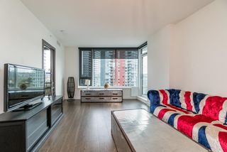 "Photo 11: 857 38 SMITHE Street in Vancouver: Downtown VW Condo for sale in ""One Pacific"" (Vancouver West)  : MLS®# R2307902"