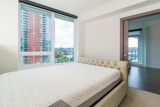 "Photo 13: 857 38 SMITHE Street in Vancouver: Downtown VW Condo for sale in ""One Pacific"" (Vancouver West)  : MLS®# R2307902"