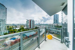 "Photo 14: 857 38 SMITHE Street in Vancouver: Downtown VW Condo for sale in ""One Pacific"" (Vancouver West)  : MLS®# R2307902"