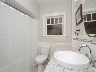 Photo 8: 1571 Monterey Avenue in VICTORIA: OB North Oak Bay Single Family Detached for sale (Oak Bay)  : MLS®# 400034