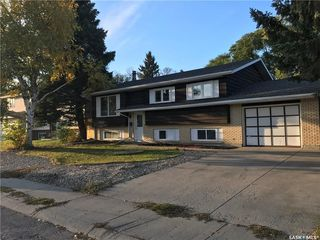 Photo 2: 435 Haight Crescent in Saskatoon: Wildwood Residential for sale : MLS®# SK750534