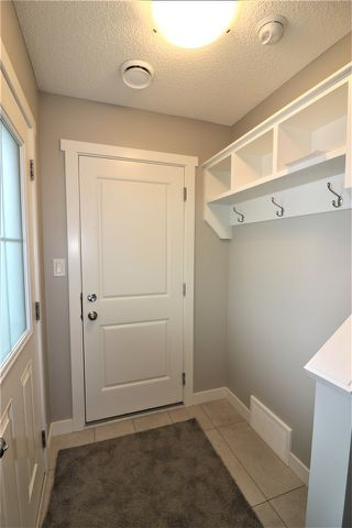 Photo 2: 850 Daniels Way in Edmonton: Zone 55 Attached Home for sale : MLS®# E4134013