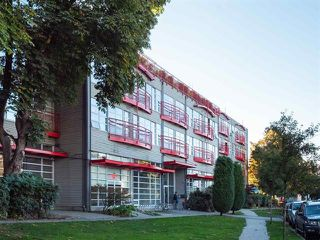 "Main Photo: 308 350 E 2ND Avenue in Vancouver: Mount Pleasant VE Condo for sale in ""MAIN SPACE"" (Vancouver East)  : MLS®# R2323736"