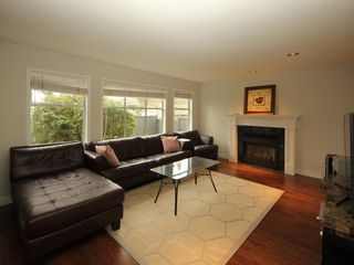 Photo 5: 12483 204 Street in Maple Ridge: Northwest Maple Ridge House for sale : MLS®# R2334396