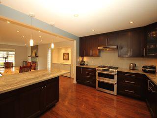 Photo 2: 12483 204 Street in Maple Ridge: Northwest Maple Ridge House for sale : MLS®# R2334396