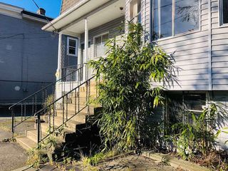 Photo 11: 1733 E 1ST Avenue in Vancouver: Grandview VE House for sale (Vancouver East)  : MLS®# R2339094