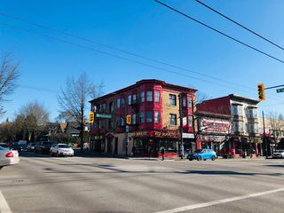 Photo 17: 1733 E 1ST Avenue in Vancouver: Grandview VE House for sale (Vancouver East)  : MLS®# R2339094