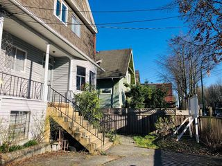 Photo 15: 1733 E 1ST Avenue in Vancouver: Grandview VE House for sale (Vancouver East)  : MLS®# R2339094