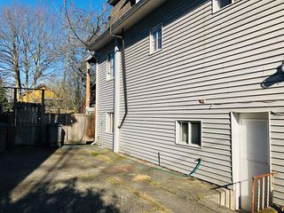 Photo 5: 1733 E 1ST Avenue in Vancouver: Grandview VE House for sale (Vancouver East)  : MLS®# R2339094