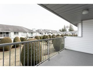 "Photo 2: 52 33922 KING Road in Abbotsford: Poplar Townhouse for sale in ""Kingsview Estates"" : MLS®# R2347892"