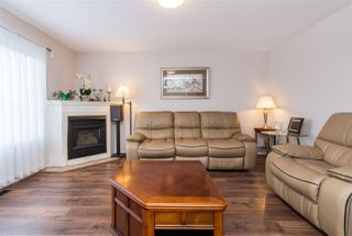 "Photo 2: 52 46360 VALLEYVIEW Road in Sardis: Promontory Townhouse for sale in ""APPLE CREEK"" : MLS®# R2358660"