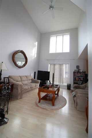 Photo 8: 38 6608 158 Avenue NW in Edmonton: Zone 28 Townhouse for sale : MLS®# E4152653