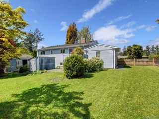Photo 21: 4449 Casa Linda Dr in VICTORIA: SW Royal Oak Single Family Detached for sale (Saanich West)  : MLS®# 813040
