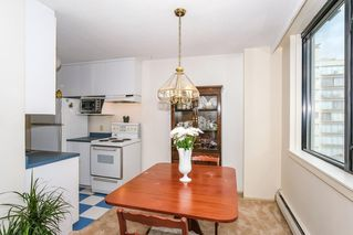 """Photo 7: 301 1330 HARWOOD Street in Vancouver: West End VW Condo for sale in """"WESTSEA TOWER"""" (Vancouver West)  : MLS®# R2369175"""