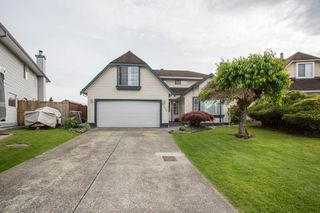 Main Photo: 22092 KERRY Crescent in Maple Ridge: West Central House for sale : MLS®# R2370246