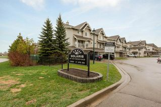 Photo 1: 1 12050 17 Avenue SW in Edmonton: Zone 55 Townhouse for sale : MLS®# E4157192