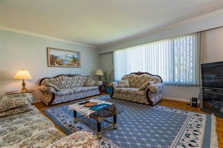 Photo 5: 5650 NEVILLE Street in Burnaby: South Slope House for sale (Burnaby South)  : MLS®# R2376945