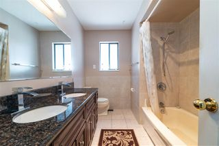 Photo 7: 5650 NEVILLE Street in Burnaby: South Slope House for sale (Burnaby South)  : MLS®# R2376945