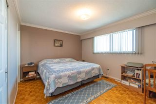 Photo 10: 5650 NEVILLE Street in Burnaby: South Slope House for sale (Burnaby South)  : MLS®# R2376945