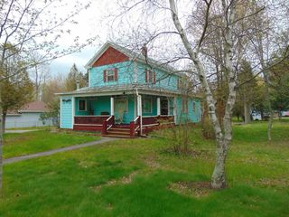 Photo 2: 241 Main Street in Berwick: 404-Kings County Residential for sale (Annapolis Valley)  : MLS®# 201912933