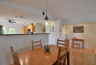 Photo 9: 5723 CARTIER Road in Sechelt: Sechelt District House for sale (Sunshine Coast)  : MLS®# R2378344