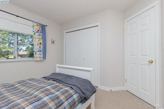 Photo 25: 588 Leaside Ave in VICTORIA: SW Glanford Single Family Detached for sale (Saanich West)  : MLS®# 817494