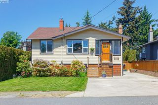 Photo 2: 588 Leaside Ave in VICTORIA: SW Glanford Single Family Detached for sale (Saanich West)  : MLS®# 817494