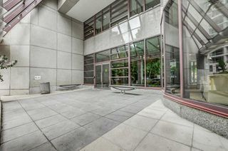 Photo 11: 3009 1001 Bay Street in Toronto: Bay Street Corridor Condo for lease (Toronto C01)  : MLS®# C4499138