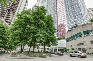 Photo 1: 3009 1001 Bay Street in Toronto: Bay Street Corridor Condo for lease (Toronto C01)  : MLS®# C4499138