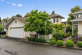 "Main Photo: 90 8737 212 Street in Langley: Walnut Grove Townhouse for sale in ""Chartwell Green"" : MLS®# R2386335"
