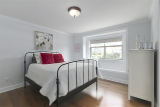 Photo 7: 421 E 4TH Street in North Vancouver: Lower Lonsdale House 1/2 Duplex for sale : MLS®# R2395329