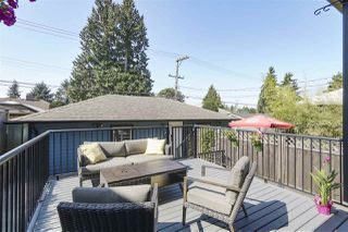 Photo 12: 421 E 4TH Street in North Vancouver: Lower Lonsdale House 1/2 Duplex for sale : MLS®# R2395329