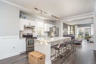 """Photo 2: 36 11067 BARNSTON VIEW Road in Pitt Meadows: South Meadows Townhouse for sale in """"Coho"""" : MLS®# R2420194"""