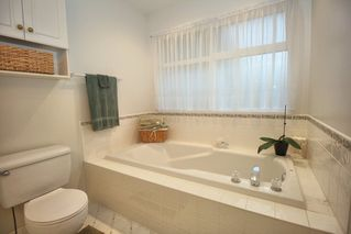 """Photo 12: 4622 223A Street in Langley: Murrayville House for sale in """"Murrayville"""" : MLS®# R2423366"""