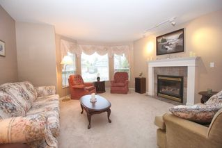 """Photo 3: 4622 223A Street in Langley: Murrayville House for sale in """"Murrayville"""" : MLS®# R2423366"""
