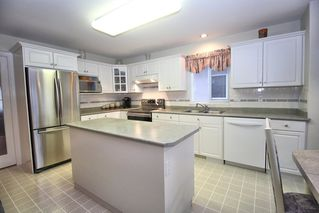 """Photo 6: 4622 223A Street in Langley: Murrayville House for sale in """"Murrayville"""" : MLS®# R2423366"""