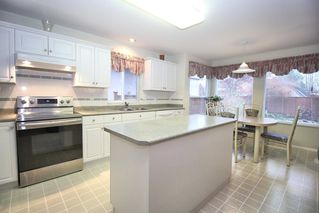 """Photo 7: 4622 223A Street in Langley: Murrayville House for sale in """"Murrayville"""" : MLS®# R2423366"""