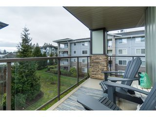 "Photo 18: 303 2038 SANDALWOOD Crescent in Abbotsford: Central Abbotsford Condo for sale in ""The Element"" : MLS®# R2447105"