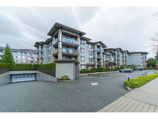 "Photo 19: 303 2038 SANDALWOOD Crescent in Abbotsford: Central Abbotsford Condo for sale in ""The Element"" : MLS®# R2447105"