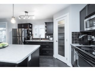 "Photo 6: 303 2038 SANDALWOOD Crescent in Abbotsford: Central Abbotsford Condo for sale in ""The Element"" : MLS®# R2447105"