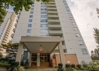 """Photo 1: 1507 5645 BARKER Avenue in Burnaby: Central Park BS Condo for sale in """"Central Park Place"""" (Burnaby South)  : MLS®# R2465224"""