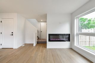 Photo 15: 1 11306 92 Street in Edmonton: Zone 05 House Half Duplex for sale : MLS®# E4204209