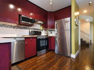 Photo 11: 3 2633 Shelbourne St in : Vi Jubilee Row/Townhouse for sale (Victoria)  : MLS®# 850252