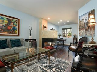 Photo 4: 3 2633 Shelbourne St in : Vi Jubilee Row/Townhouse for sale (Victoria)  : MLS®# 850252