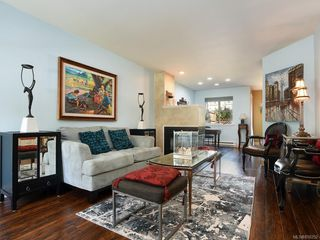 Photo 2: 3 2633 Shelbourne St in : Vi Jubilee Row/Townhouse for sale (Victoria)  : MLS®# 850252