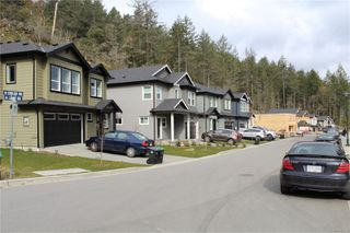 Photo 5: 2372 Lund Rd in : VR Six Mile House for sale (View Royal)  : MLS®# 851734