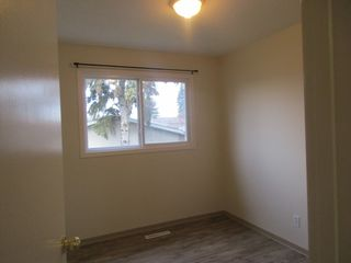 Photo 9: 7242 83 Avenue in Edmonton: House Duplex for rent